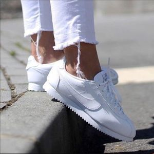 NWT NIKE Cortez Classic Sneakers
